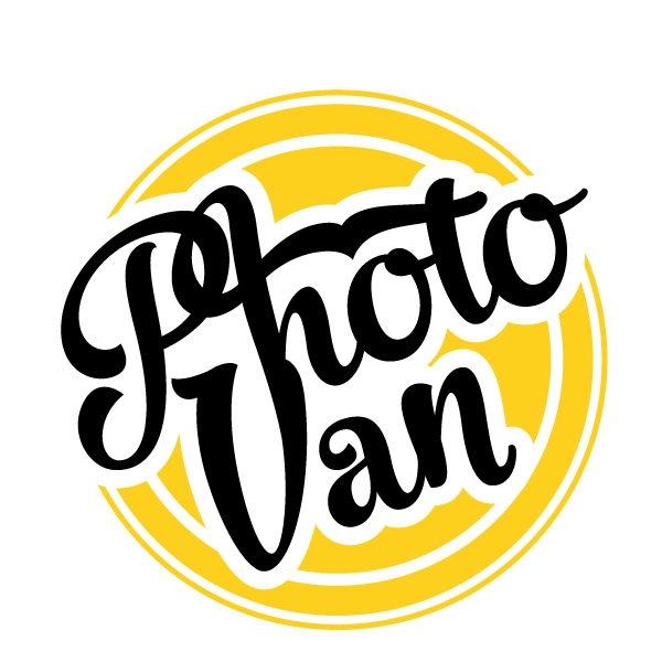 Логотип засновано на стилі пін-ап