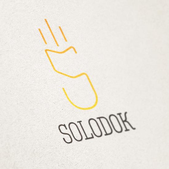Логотип простой и лаконичный. Не доставит лишних затрат при печати.